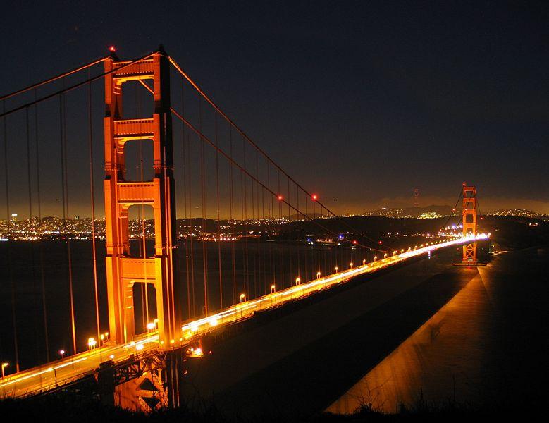 http://airportail.net/wp-content/uploads/2009/04/golde-gate-bridge_by_night.jpg